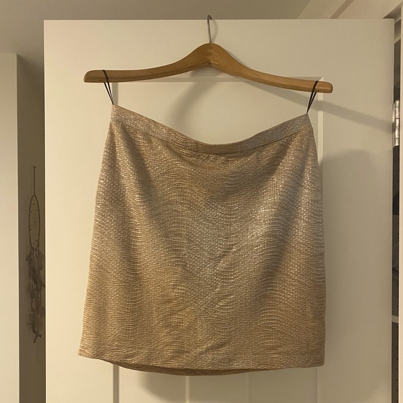 H&M Gold Mini Skirt - Size M